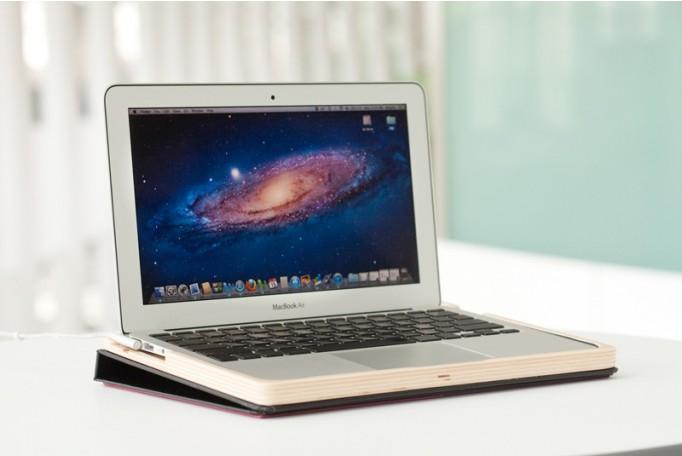 MacBook Air Damage Test by CNET TV