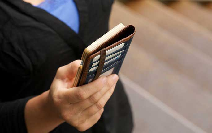 iphone-wallet-case