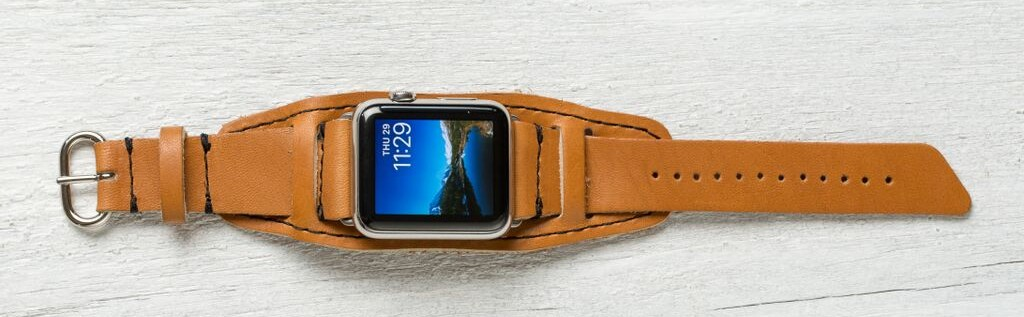 lowry leather apple strap