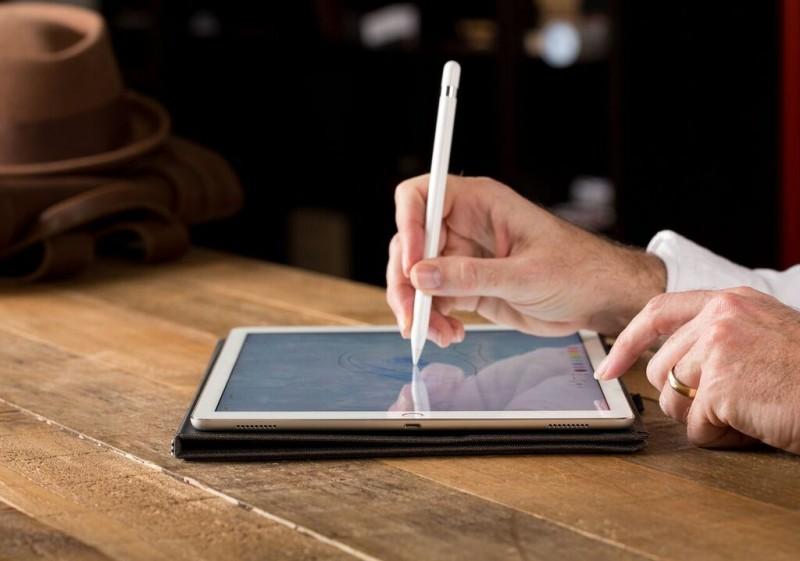 iPad Pro 9.7 Pencil Review