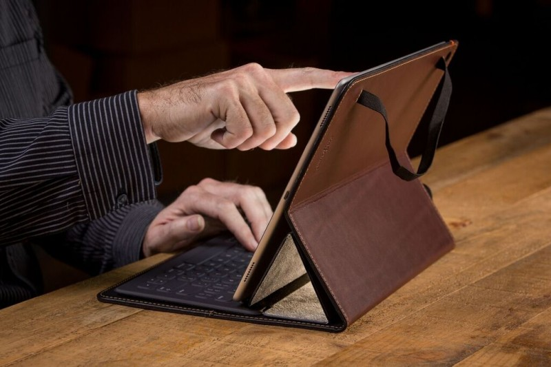 iPad Pro 9.7 Smart Keyboard Review