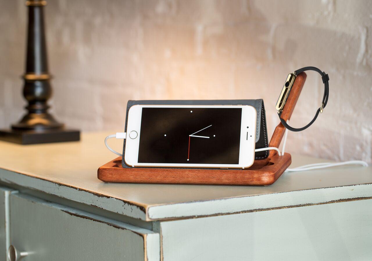 iPhone 8 rumor charging