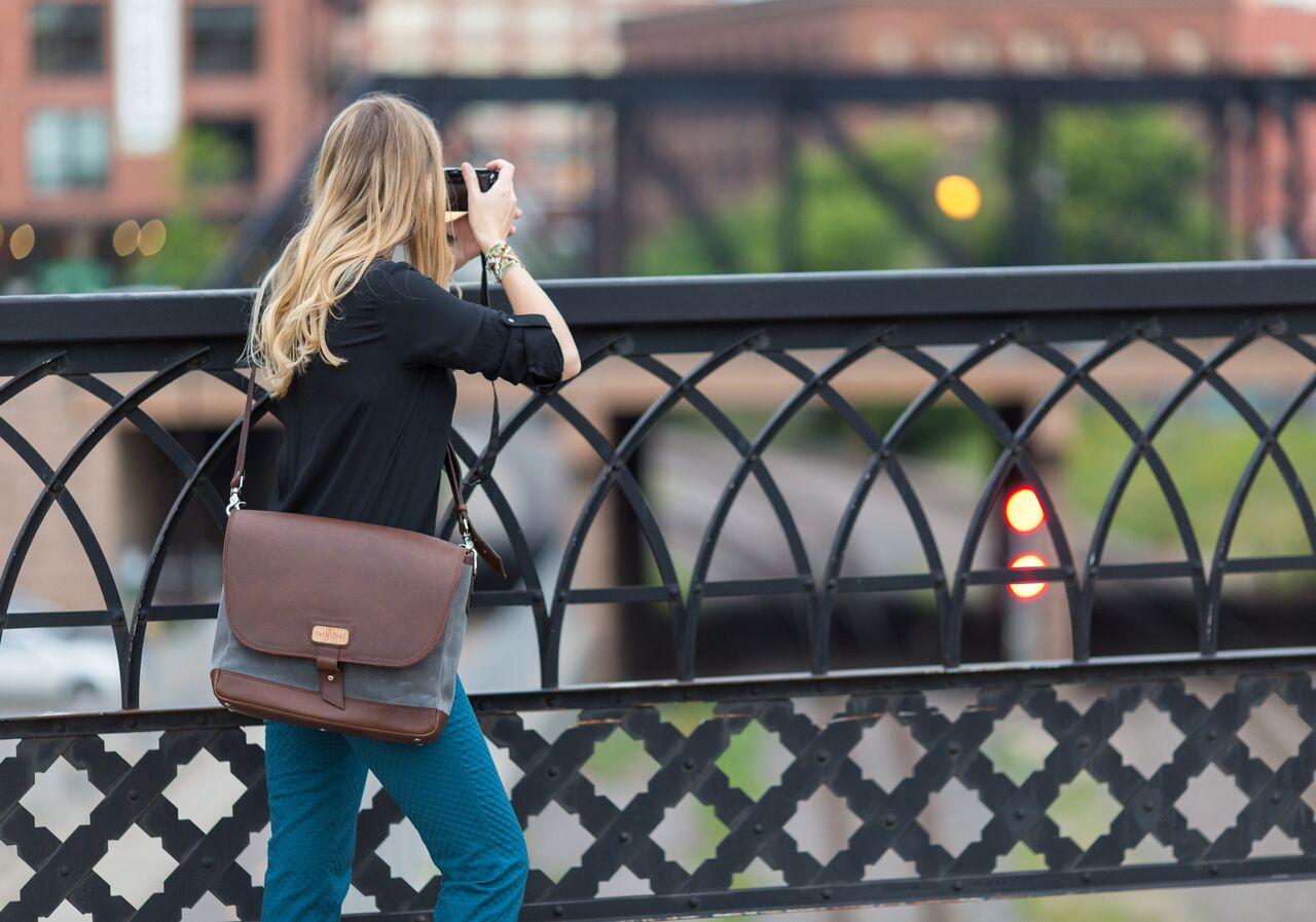 leather messenger satchel bag